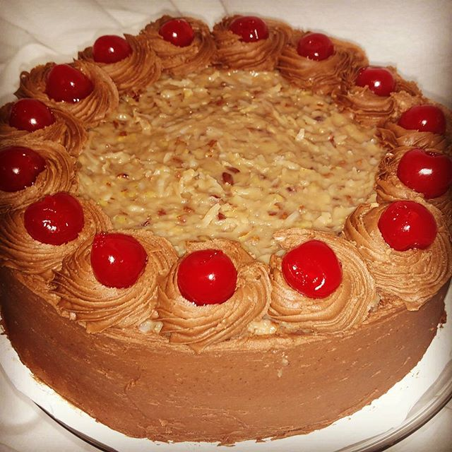 #sweetchef #sweetchefpastry #germanchocolate #chocolatecake #chocolatebuttercream #layercake #marasc