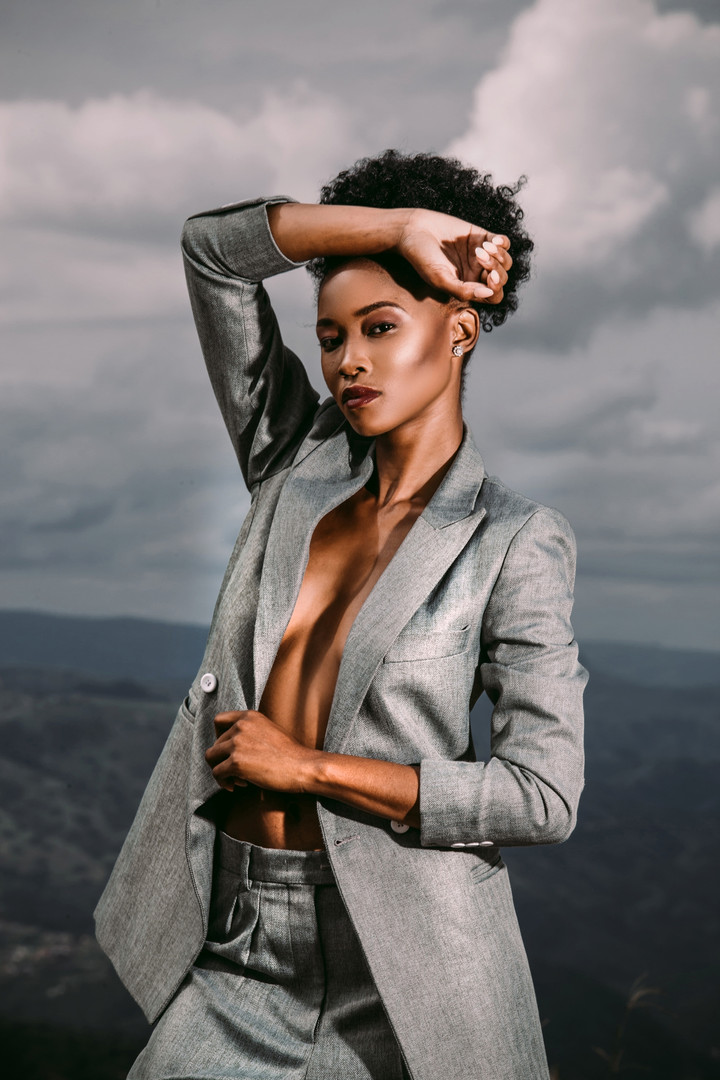 Zinhle | On Edge | LOW-RES_0010.jpg
