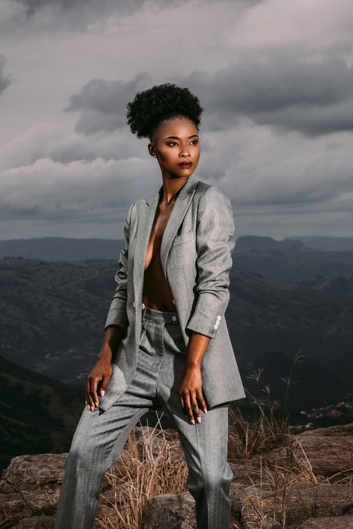 Zinhle | On Edge | LOW-RES_0005.jpg