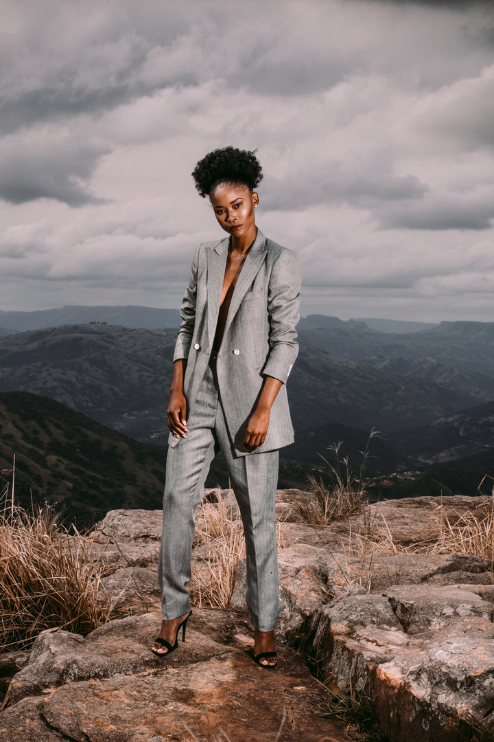 Zinhle | On Edge | LOW-RES_0002.jpg