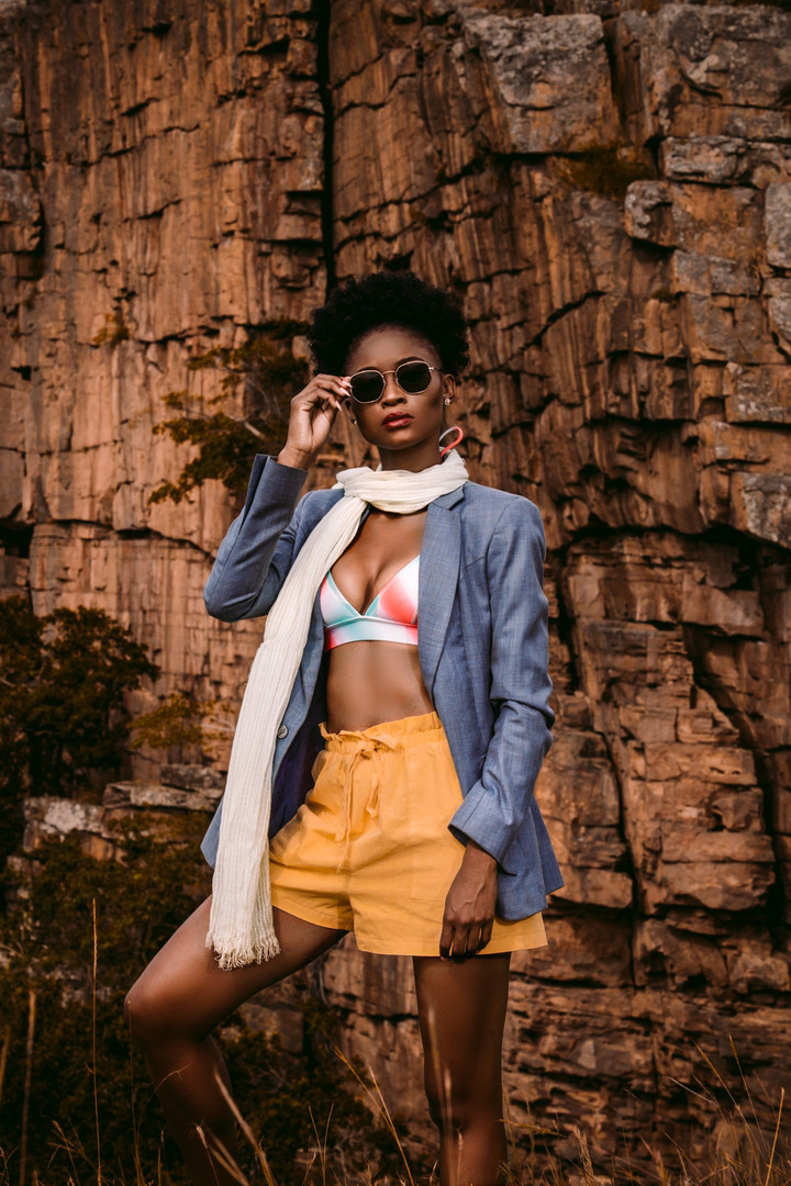 Zinhle | On Edge | LOW-RES_0014.jpg