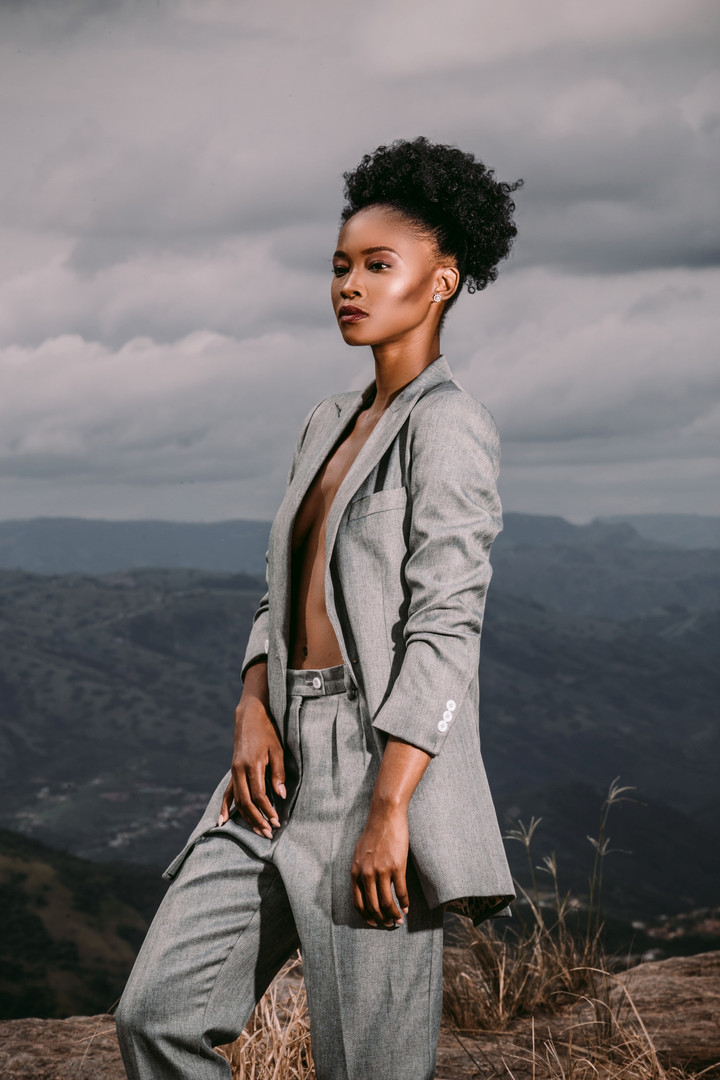 Zinhle | On Edge | LOW-RES_0007.jpg