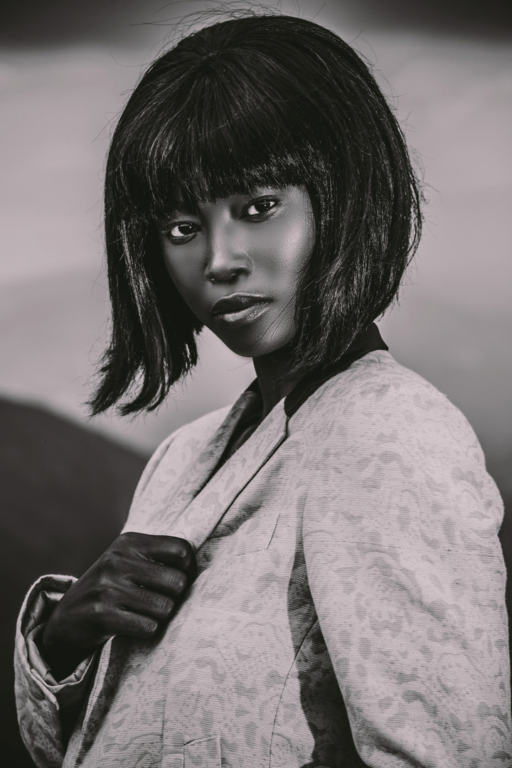 Zinhle | On Edge | LOW-RES_0071.jpg