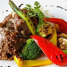 beef ragu with fried vegetable