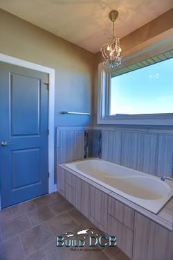 window lighting bathroom