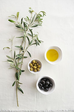 The green Tuscan gold: Extra Virgin Olive Oil