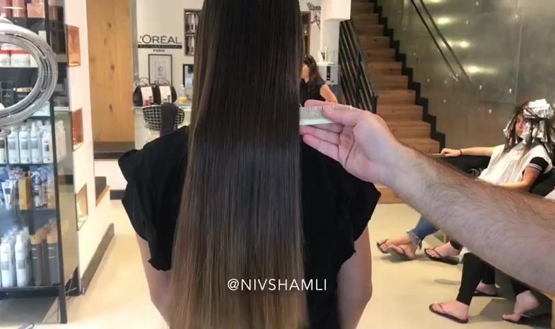 החלקת שיער מספרת ניב שמלי