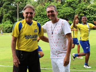 Serginho e Edmílson, velhos amigos do futebol profissional que se reencontram na AABB