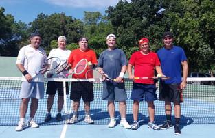 Tênis, um elo de amizade que se renova a cada semana na AABB Cuiabá