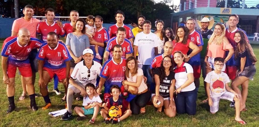 Na foto, a equipe Goianos Family, campeã do Lameirinho Master 2017