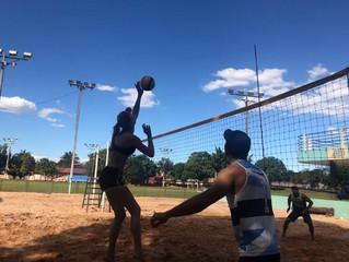 Torneio reúne casais do vôlei de areia