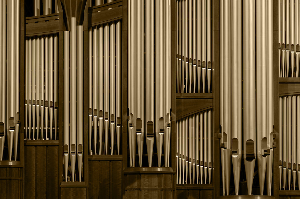 conference-center-organ-pipes-925355-wal