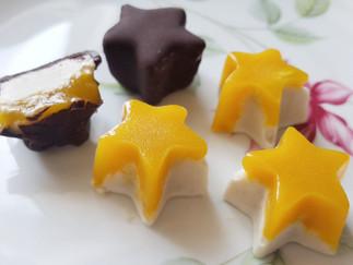 Veganes Eiskonfekt Kokos-Cashew mit Mango