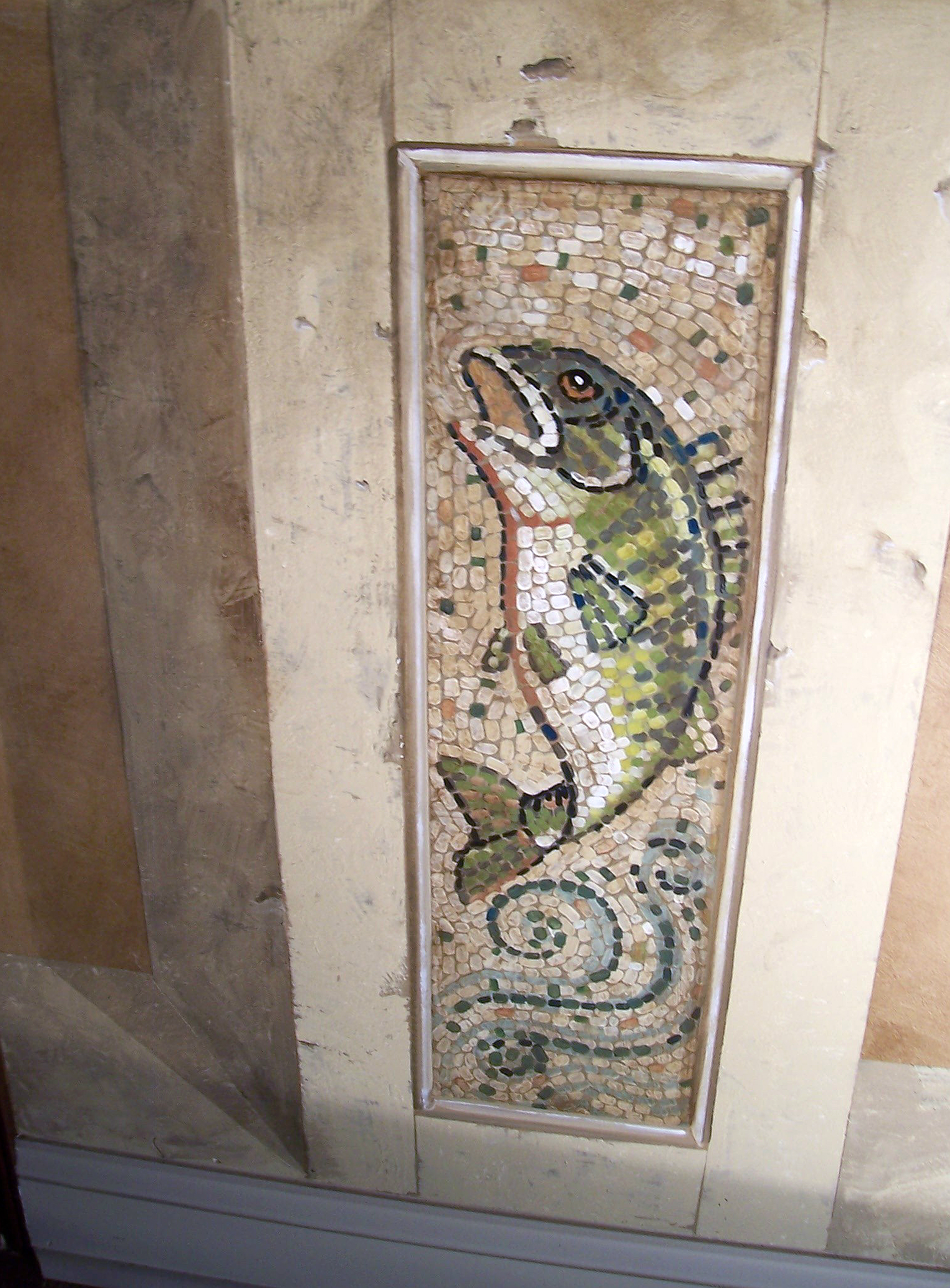 Faux Stone and Fish Mosaic Entry