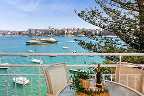 Stunning Manly Views and a Pool!
