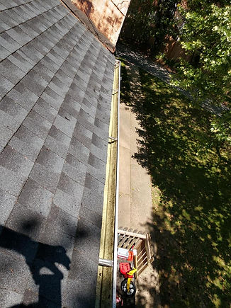 """<img src=""""fallguttercleaning.png"""" alt=""""cleaning gutters to remove leaves """">"""