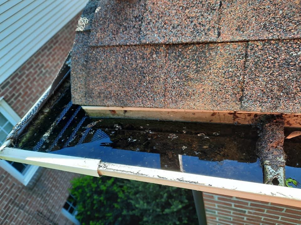 """<img src=""""gutter repairs.png"""" alt=""""DE Gutter repair company fixing gutters in Wilmington"""">"""