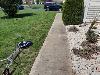 "<img src=""pressure washing.png"" alt=""power washing dirty sidewalk"">"