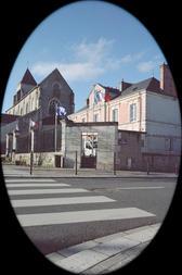 Mairie et Eglise d'Ingré