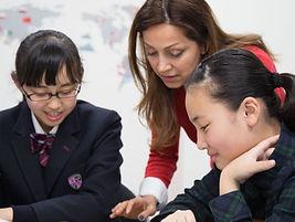english-language-school-teacher_cropped.