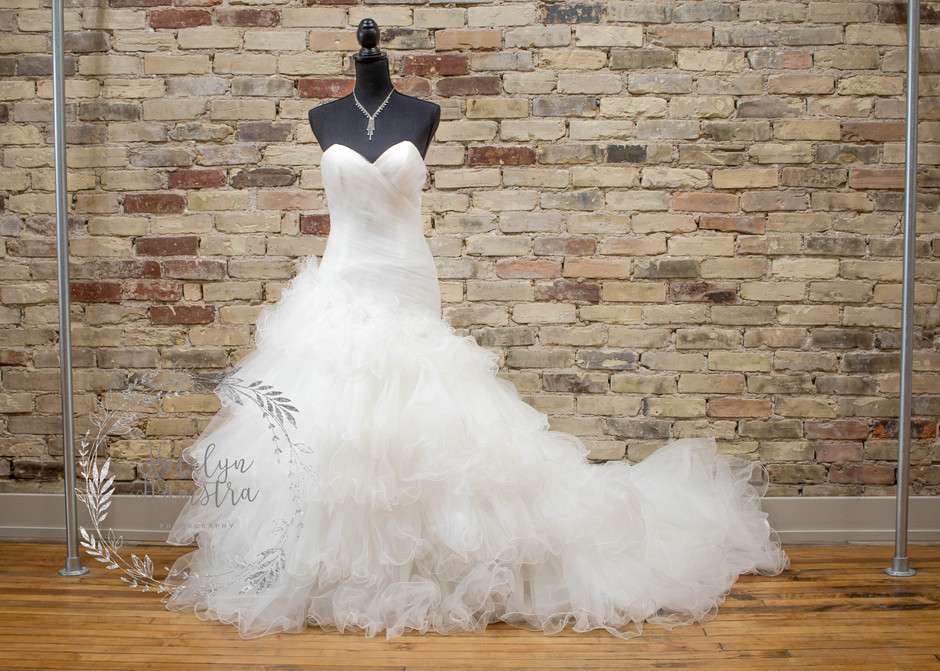 Annie Lane Bridal: Find YOUR dress and take it home