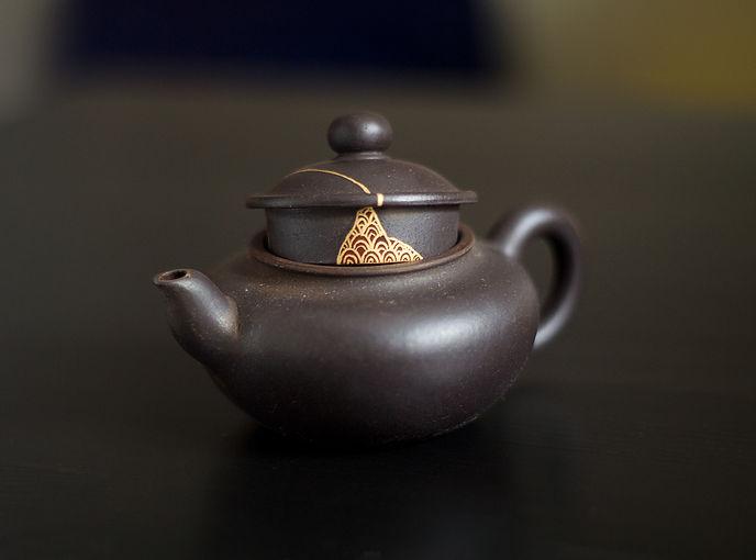 Кинцуги реставрация чайник золото