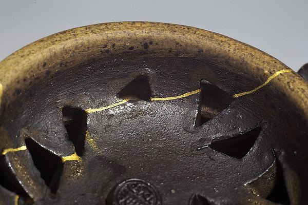 ремонт посуды, kintsugi, кинцуги, жук, золото, курильница, тайвань