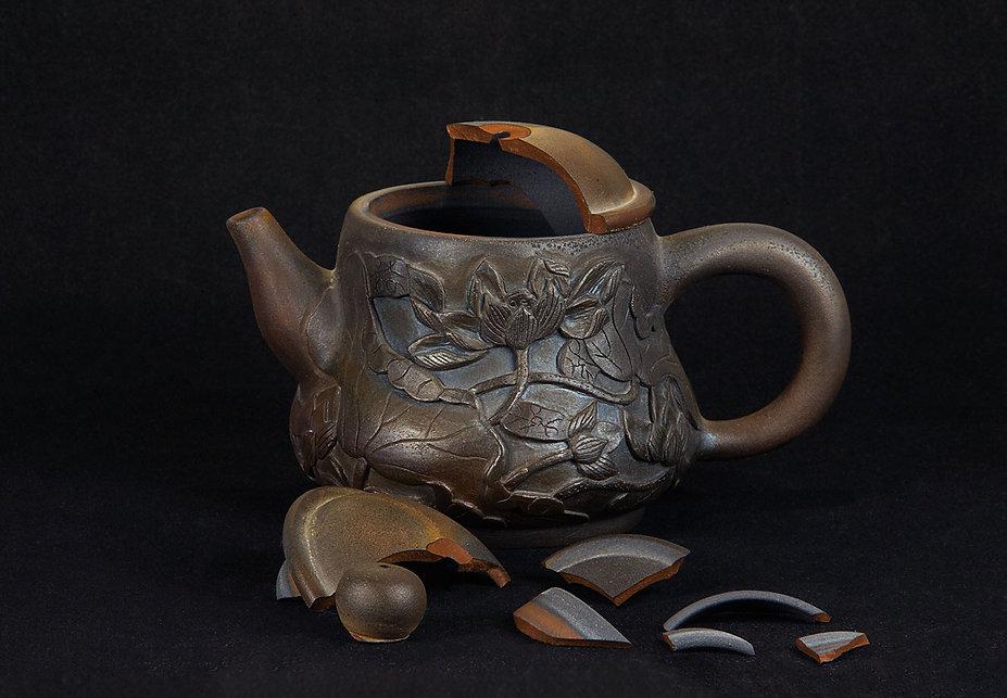 ремонт посуды, кинцуги, kintsugi, gintsugi, серебро, чайник крышка, лак уруси, керамика, дровяной обжиг, реставрация