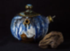 кинцуги, kintsugi, керамика, чайник, ремонт, посуда, лак уруси, мастерская, россия, дерево, черный лак уруси