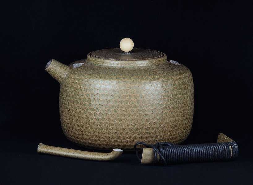 кинцуги, kintsugi, керамика, чайник, ремонт, посуда, лак уруси, мастерская, россия, золото