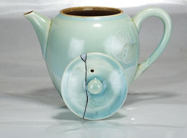 Ремонт посуды, kintsugi, кинцуги, перламутр, фарфор, чайник, крышка