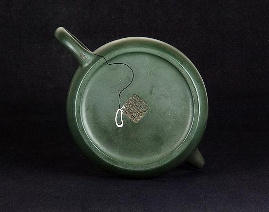 ремонт посуды, кинцуги, kintsugi, чайник, лотос, серебро, лак уруси, глина, реставрация