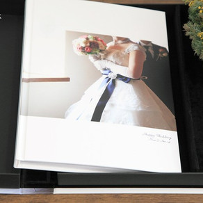 結婚式撮影の納品(フラットマウント・A4スライドアップ・フォトムービー他)