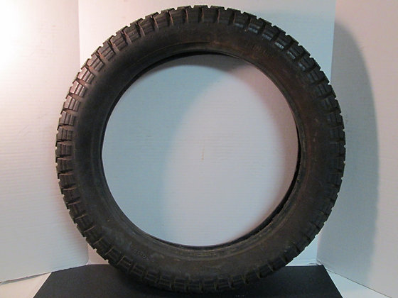 Pirelli Tire 400 x 18