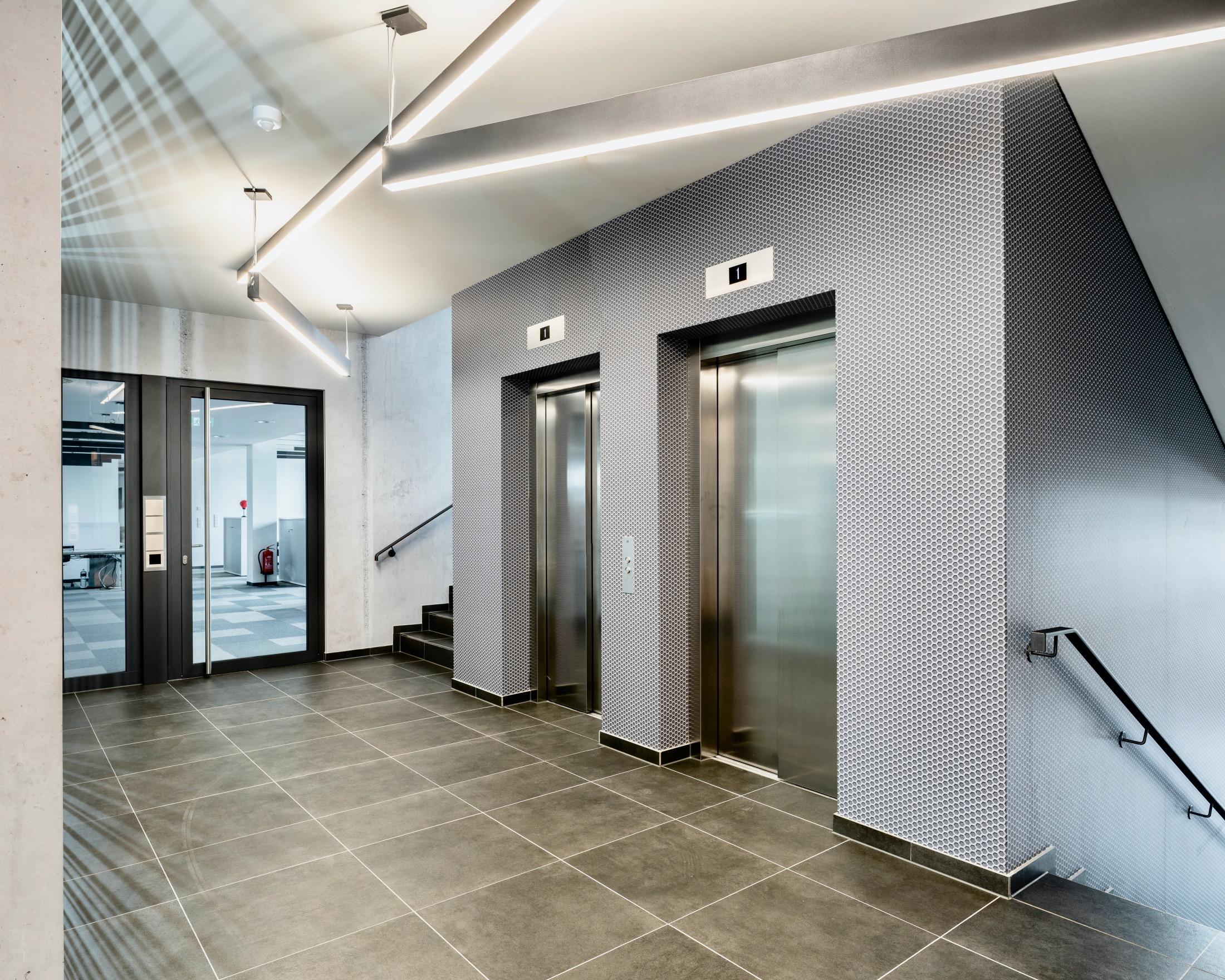 Office Building & Holiday Inn Hotel, Munich 2020