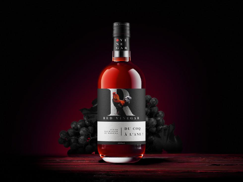 Free_Whisky_Bottle_Mockup_COQ.jpg