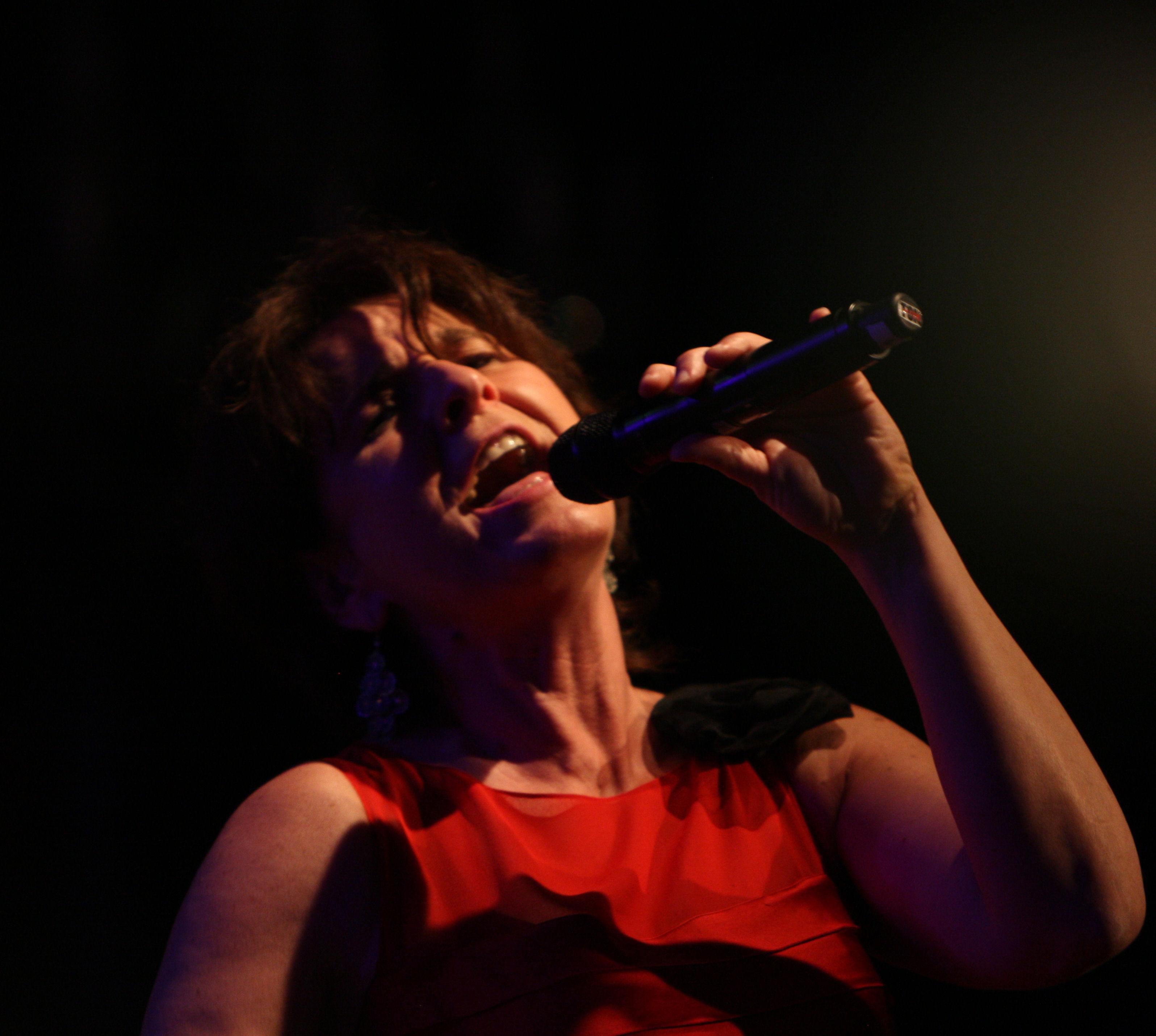 Monika Hintsches im Roten Krokodil