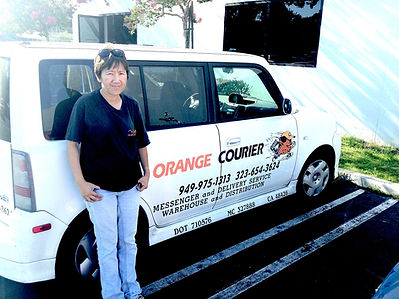 woman+car+Orange+Courier.jpg