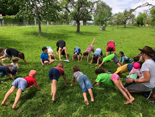 Kids Yoga in the Orchard at Hof Narr