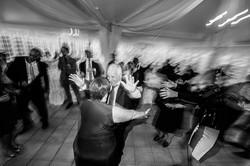 Al matrimonio ballano tutti