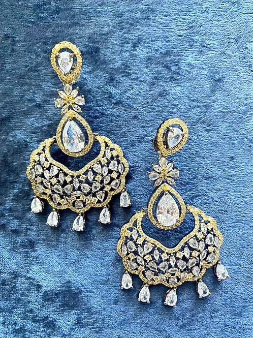 Zirconia Earrings with Crystals