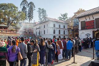 Nepal, Kathmandu, Pashupatinath Temple, Long queue of pilgrims waiting to enter the temple