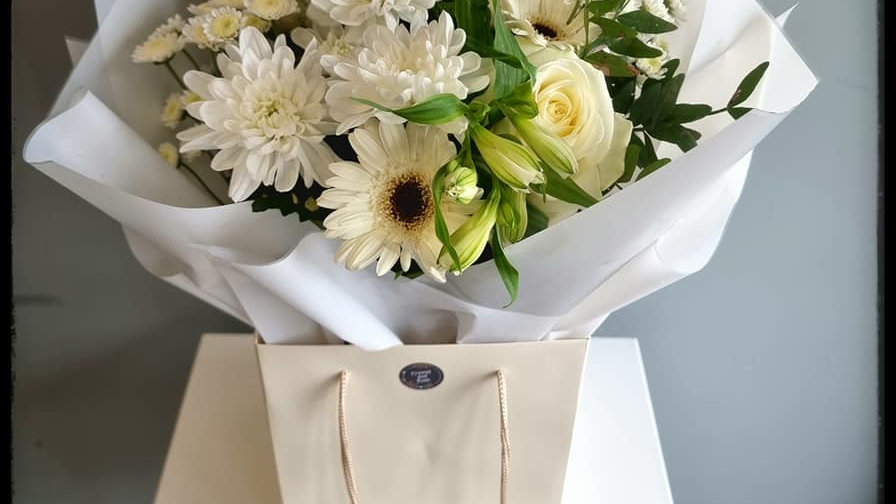 Selenite Boxed Bouquet