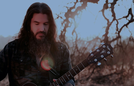 "ROBB FLYNN of MACHINE HEAD DEBUTSACOUSTIC VERSION OF ""CIRCLE THE DRAIN"""