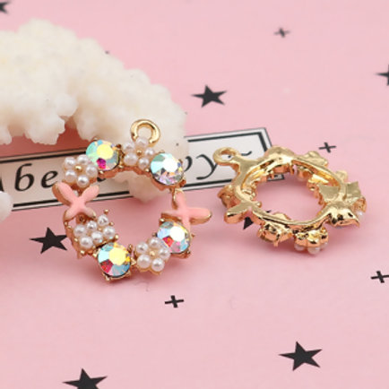 C038 | Charms