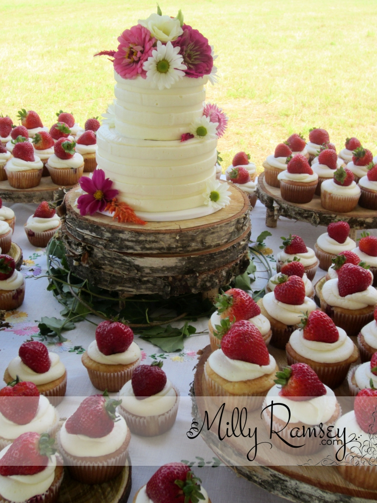 strawberrycupcakewedding