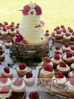 strawberrycupcakewedding