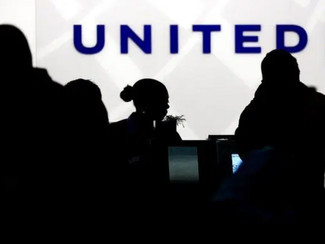 Customer Accuses United Airlines of Price Gouging During COVID-19