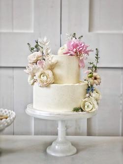 Chic Buttercream Cake