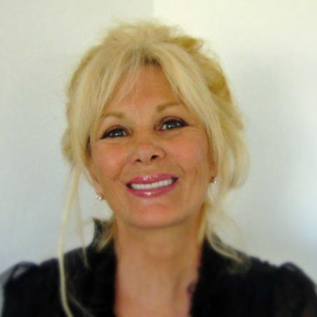 Author Interview - Vera Lauren